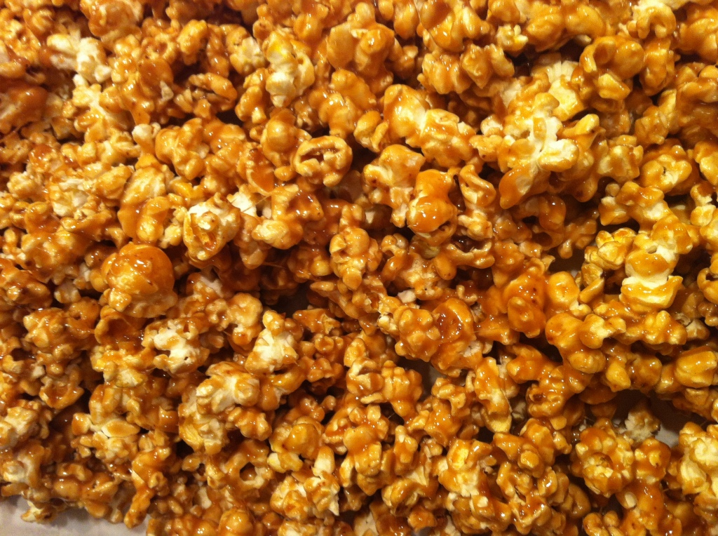 Super Easy Caramel Popcorn